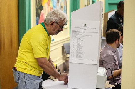 Mais de 180 mil brasileiros votaram no exterior