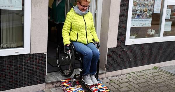Vovó alemã constrói rampas de lego para melhorar acessibilidade