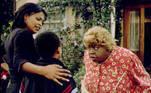 Outro sucesso de bilheteria e crítica é Vovó...Zona (2000). A produção é uma trilogia, na qual Lawrence éum agente do FBI que precisa assumir a identidade de uma senhora obesapara prender um criminoso