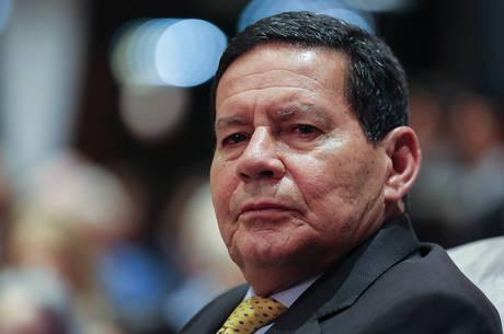 Mourão viu excesso na decisão de Moraes