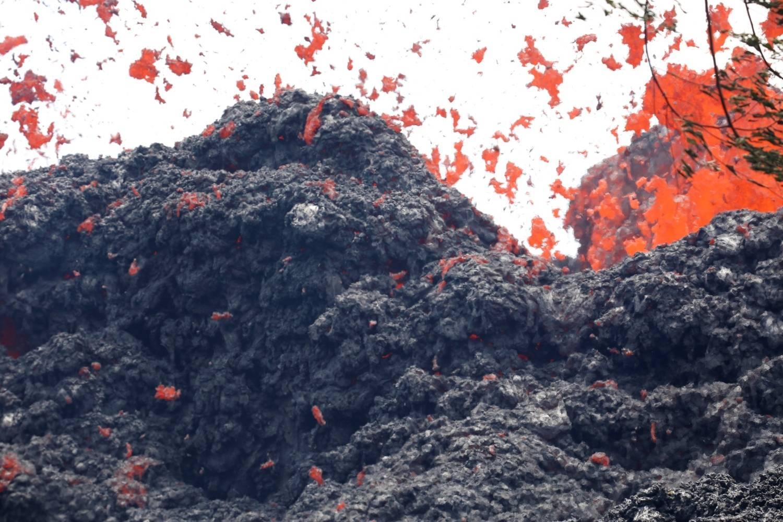 Lava de vulcão no Havaí se aproxima de usina geotérmica