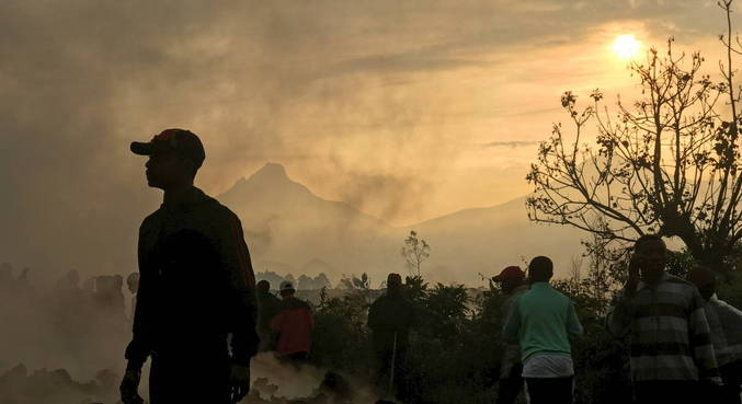 População está voltando para casa, mas está apreensiva com novas erupções