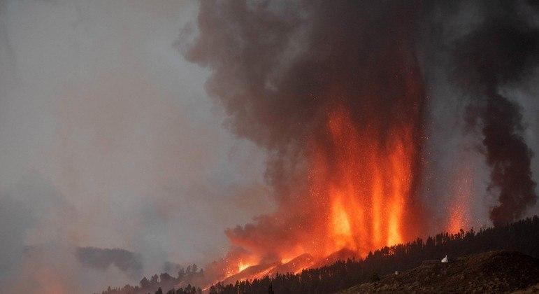 Erupção no Cumbre Vieja já destruiu mais de 300 casas