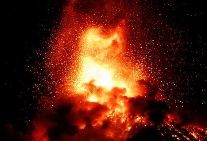Guatemala: Erupção de vulcão força a retirada de milhares de pessoas