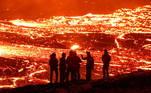 Na época, especialistas já alertavam para o risco de erupção de um dos diversos vulcões no país
