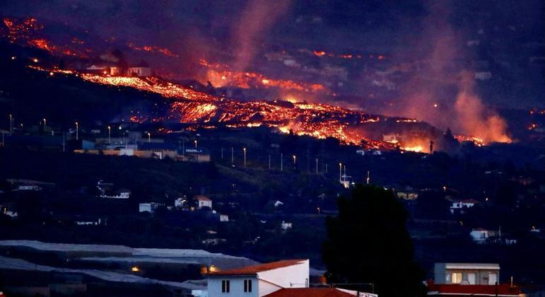 Cumbre Vieja entrou em erupção há mais de uma semana