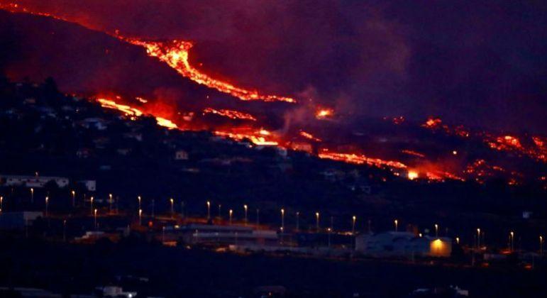 A companhia aérea Binter anunciou o cancelamento de voos noturnos que passam por de La Palma