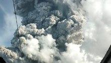 Indonésia: vulcão entra em erupção e emite cinzas a 7 km de altura