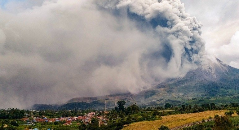 Vulcão permaneceu adormecido por séculos até que acordou em 2010