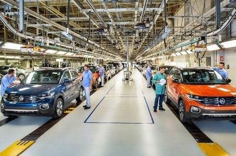 Fabricação de veículos saltou 129% em junho