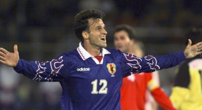 Wagner Lopes defendeu o Japão na Copa do Mundo de 1998. O atacante fez 20 partidas com a camisa japonesa e marcou cinco gols. (Reprodução)