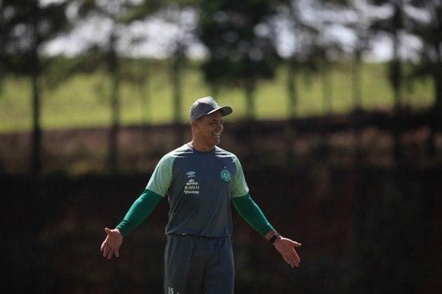 Wagner Miranda - Ex-goleiro, foi campeão paulista pelo Bragantino, em 1990. Jogou futebol até 1999, no América-RJ, quando pendurou as luvas. Seguiu carreira como preparador de goleiros, começando no Botafogo em 1999. Atualmente é preparador de goleiros no Flamengo