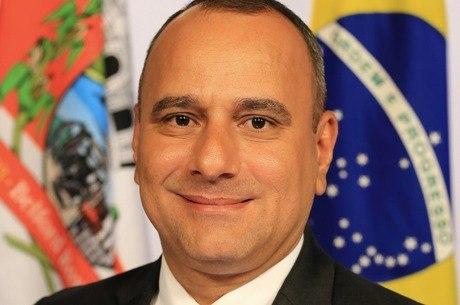Waguinho (MDB)  foi reeleito prefeito em Belford Roxo