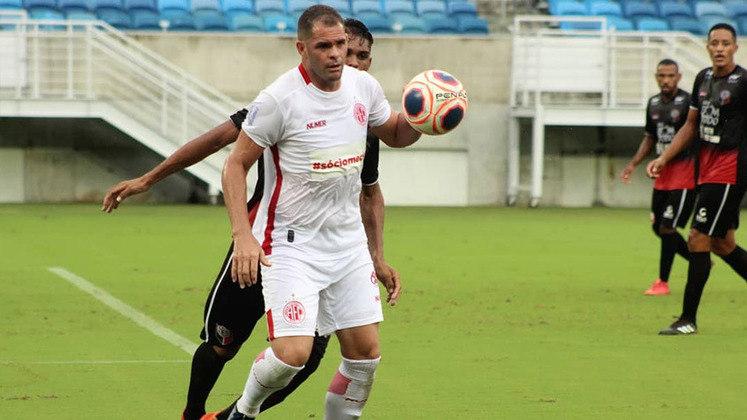 Wallace Pernambucano: 34 anos – atacante – América-RN - 9 gols em 13 jogos no Campeonato Potiguar