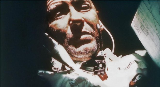 Wally Schirra foi o primeiro a descobrir os efeitos de um resfriado no espaço