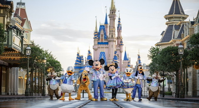 Personagens da Disney vão usar roupas especiais durante os meses de celebração