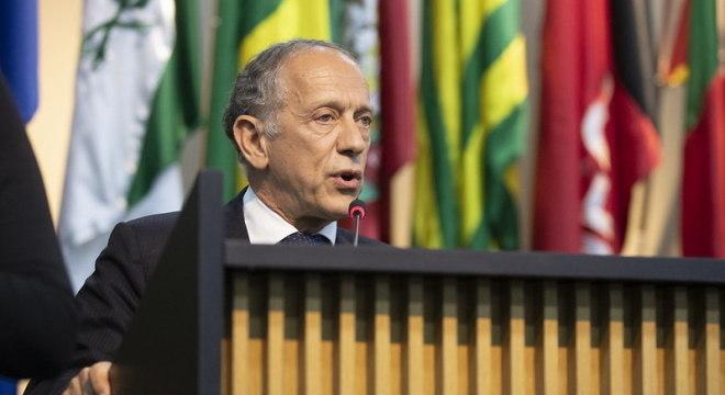 Wlater Feldmana acredita que futebol voltará sem público