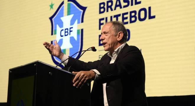 Feldman é o interlocutor da CBF e Brasília. Ele percebeu a mudança