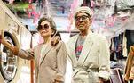 Neste Dia dos Avós, viemos te apresentar dois dos vovôs mais estilosos de que se tem notícia.Wan-Ji, de 83 anos, e a mulher, Sho-Er, de 84 anos, são donos de uma lavanderia no Taiwan e tiveram uma ideia simplesmente maravilhosa: vestir as roupas que os clientes não foram buscar e posar para fotos com elas