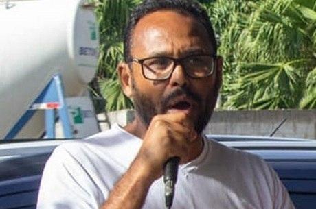 Rocha é professor da rede pública municipal