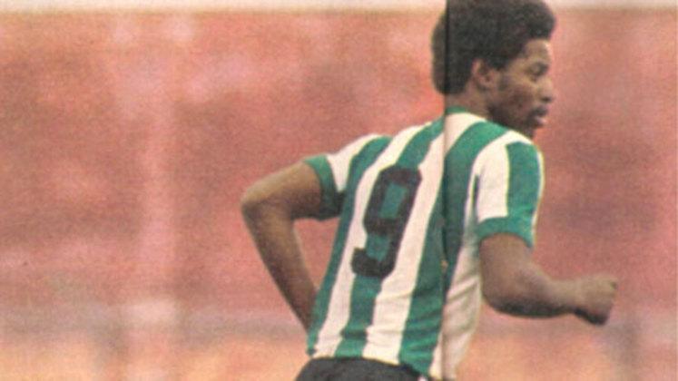 Washington Luís de Paula: Meia que surgiu muito jovem no Guarani na década de 70, Washington era apontado como o novo Pelé. O destaque pelo Bugre o levou ao Corinthians. Pelo Timão, fez apenas 24 jogos e só marcou seis gols, não correspondendo às expectativas depositadas nele