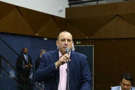 Político é acusado de quebra de decoro parlamentar