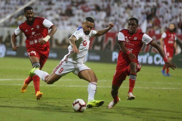 Welliton, ex-atacante de Grêmio e São Paulo, joga no Sharjah FC, da primeira divisão do Emirados Árabes Unidos.