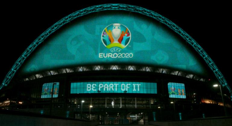 Uma das fachadas de Wembley, em Londres