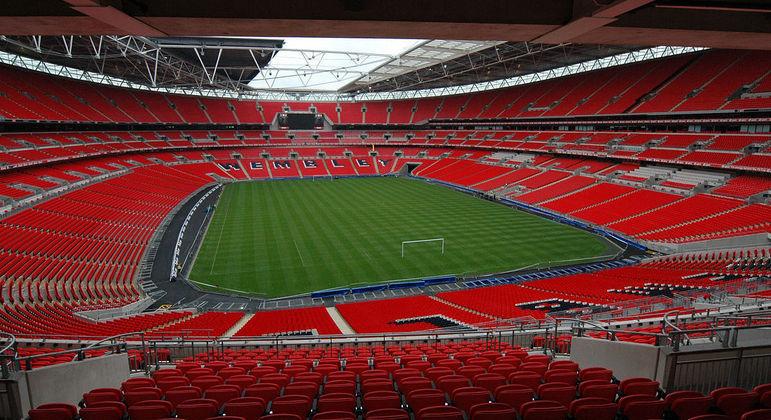 O interior do magnífico estádio de Wembley