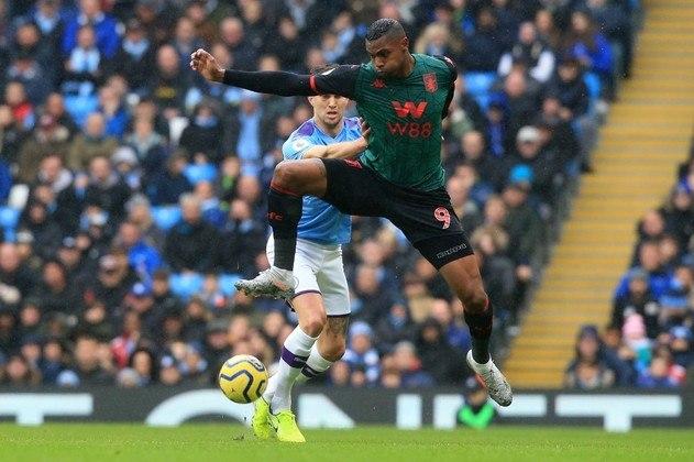 Wesley - Ao chegar no Aston Villa para ser o homem gol do time, Wesley não correspondeu e virou reserva do time. Apesar do alto valor, poderia ser emprestado para algum clube brasileiro ou até contratado por um valor menor