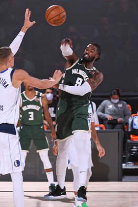Wesley Matthews (Milwaukee Bucks) 5,5 - Mais preocupado em defender, Matthews foi razoável no ataque, com dez pontos e quatro rebotes. Acertou quatro dos seis arremessos tentados
