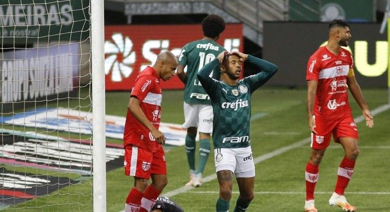 Wesley lamenta chance perdida pelo Palmeiras contra o CRB