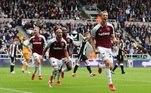 O West Ham venceu o Newcastle por 4 a 2, também neste domingo (15), na casa do adversário