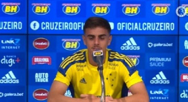 Weverton estava no time sub-18 há poucos meses e agora virou titular na Raposa