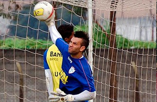 Weverton: O goleiro, e uma das principais peças do atual elenco do Palmeiras, estava na Portuguesa em 2011.