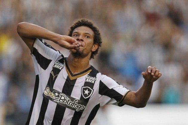 William Arão: o volante saiu de graça do Botafogo após acionar a Justiça.