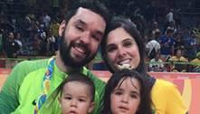 Filho de campeão olímpico mostra habilidade em treino de vôlei