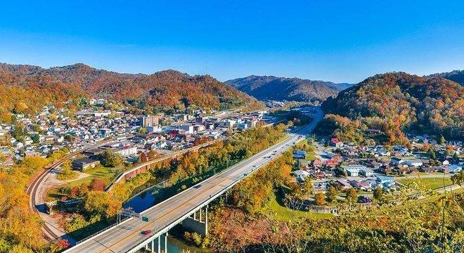 Pequena cidade mineira na Virgínia Ocidental virou símbolo da crise de saúde pública causada por opioides nos EUA Milhões de receitas médicas