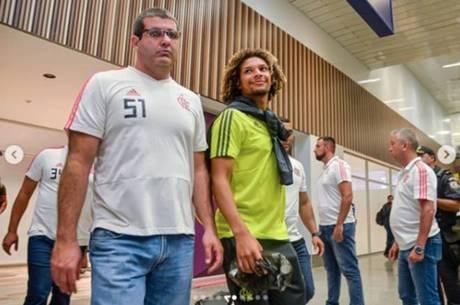 Delegação do Flamengo desembarcou no Rio