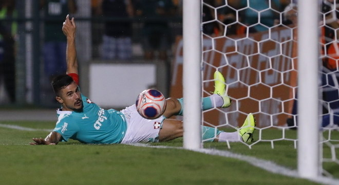 Willian foi o destaque da vitória do Palmeiras sobre  o Oeste no Pacaembu
