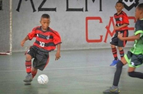 Willian em ação pelo futsal do Flamengo