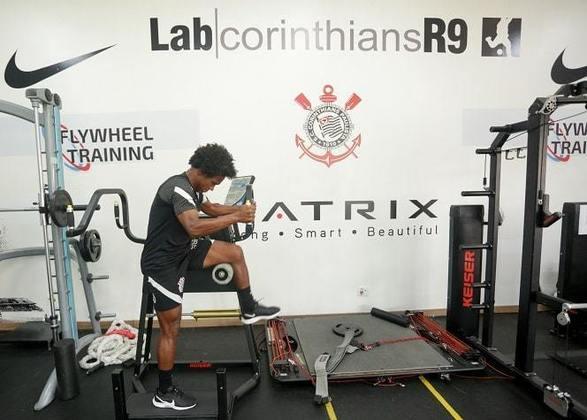 Willian passou por testes no Lab R9, laboratório de biomecânica do Corinthians