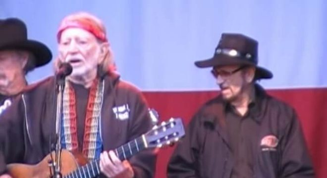 Willie Nelson e Paul English