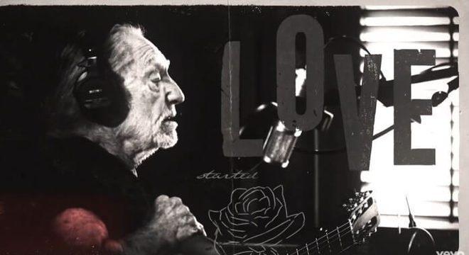 Willie Nelson anuncia o septuagésimo disco da carreira e lança inédita; ouça