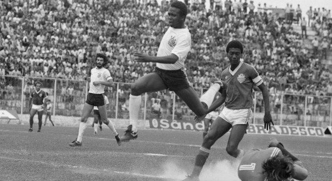 Wladimir foi um dos grandes nomes do Corinthians nas décadas de 1970 e 1980