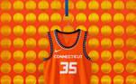 Connecticut Sun - camiseta número 1:Em reverência às tradições e à história dos povos indígenas do estado, o uniforme apresenta um padrão repetitivo de círculos simbólicos em detalhes de fita em uma laranja que lança um brilho solar em homenagem à herança da tribo Mohegan
