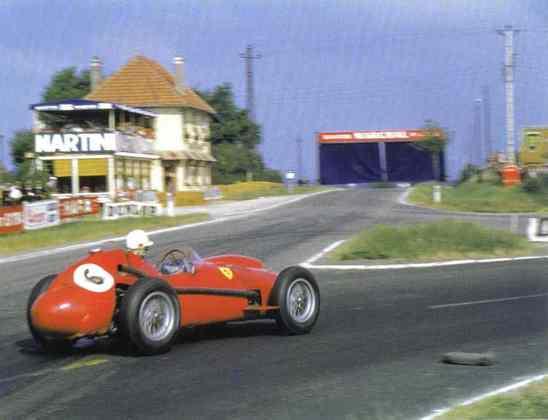 A Ferrari comemora mil GPs na Fórmula 1 neste fim de semana, com uma série de pilotos que mereceriam melhor sorte com os carros vemelhos. Wolfgang von Trips liderava a temporada 1961, mas um acidente em Monza o matou. Com isso, foi superado por Phil Hill e terminou como vice
