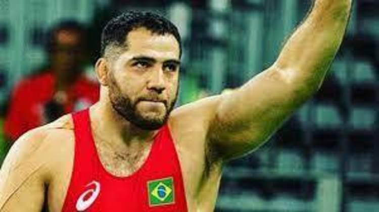 Wrestling: Eduard Soghomonyan participa das oitavas e das quartas da luta greco-romana a partir das 23h. No mesmo horário, Aline Silva participa, também nas oitavas e quartas, do estilo livre.