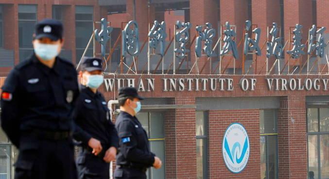 Equipe da OMS visita Instituto de Virologia em Wuhan