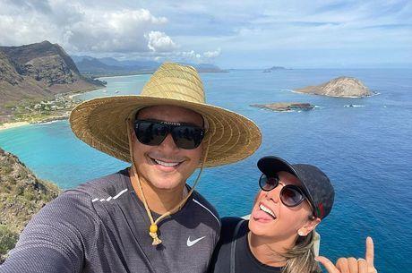Xanddy e Carla estão curtindo férias no Havaí